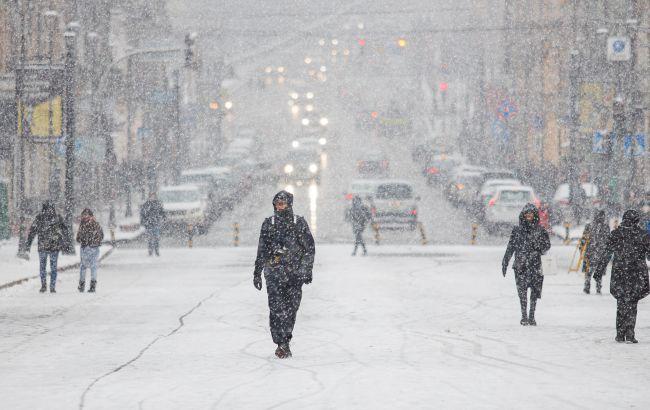 Снегопад на сутки и ограничение движения: ситуация в Киеве из-за непогоды