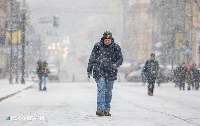 Зима не відступає: тиждень почнеться зі снігопадів