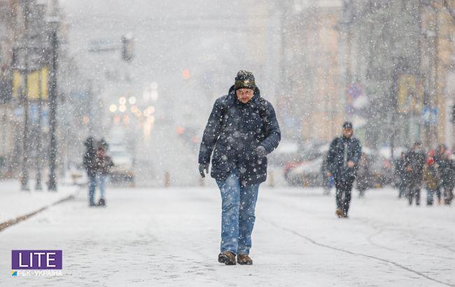 Синоптики розповіли про погоду в лютому в Україні: як довго затримається зима