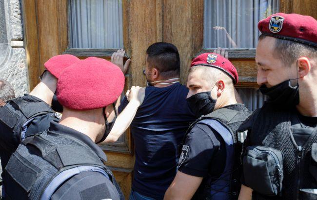 "Афера по-українськи: хто і як ""торгує"" посадами в держорганах"