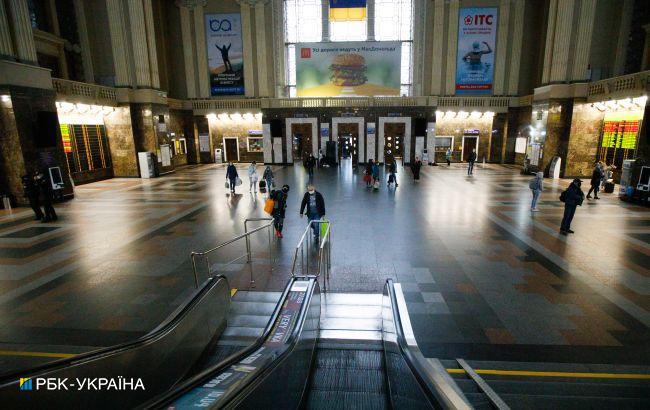 На найбільших вокзалах України розгорнуть лабораторії для екпрес-тестування, - УЗ