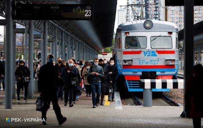 """Камеры и """"красная кнопка"""": планы УЗ по повышению безопасности в поездах"""