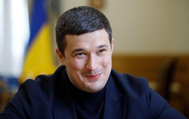 Українці зможуть записатися в чергу на COVID-вакцинацію з березня