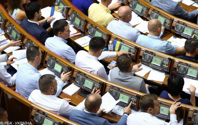 Рада схвалила закон про модернізацію сержантському служби в ЗСУ