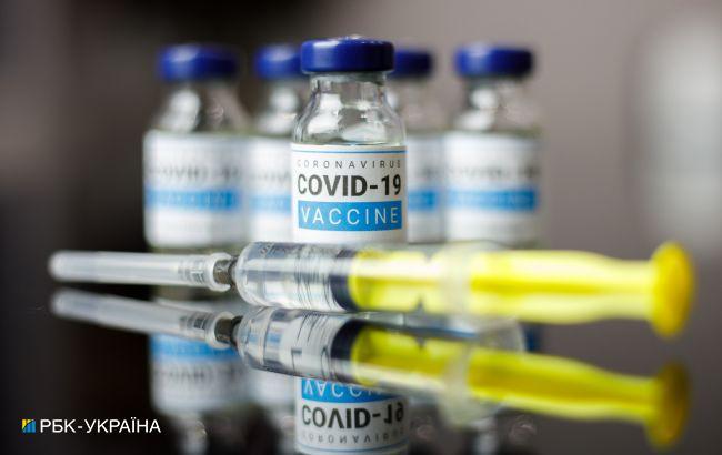 Украина ведет переговоры о поставках вакцин от COVID из США