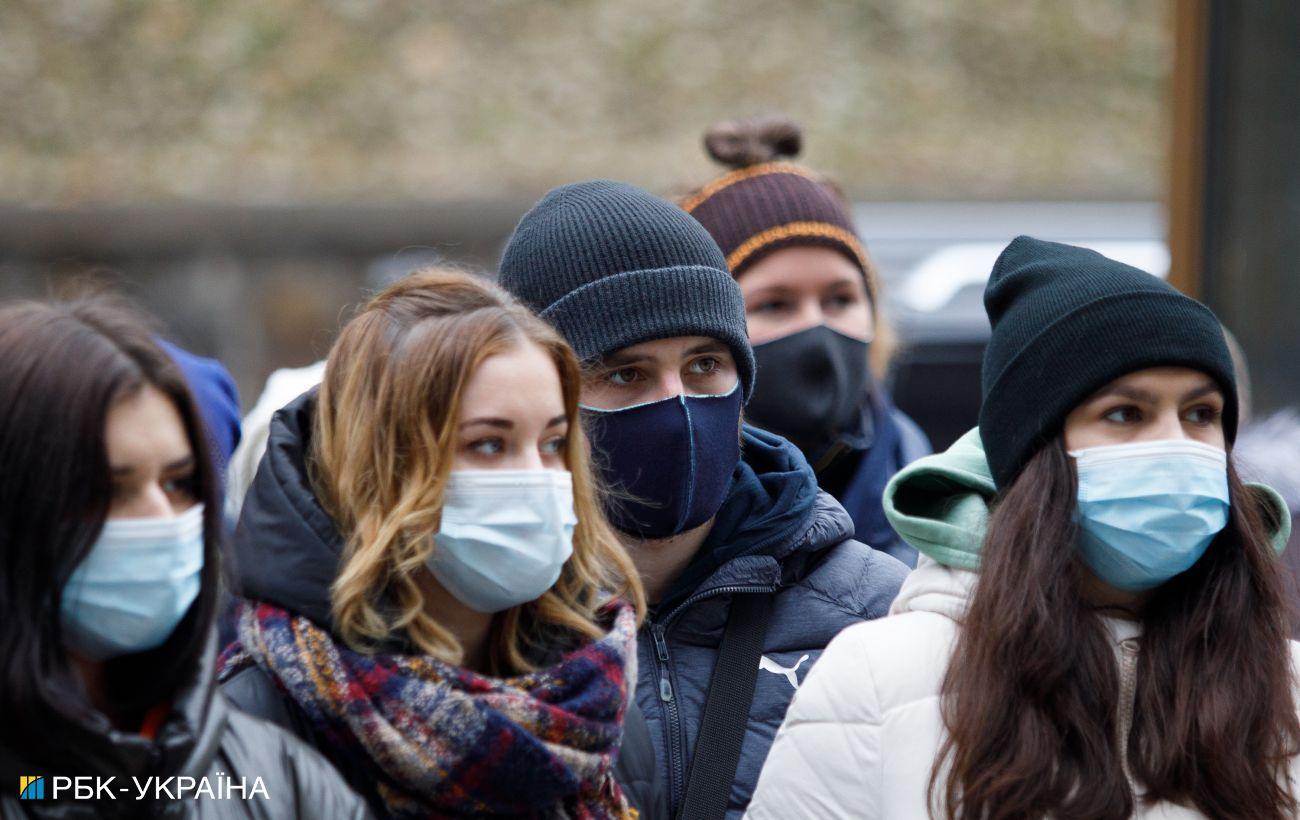 В Украине 5 583 новых и 241 летальный случай от коронавируса