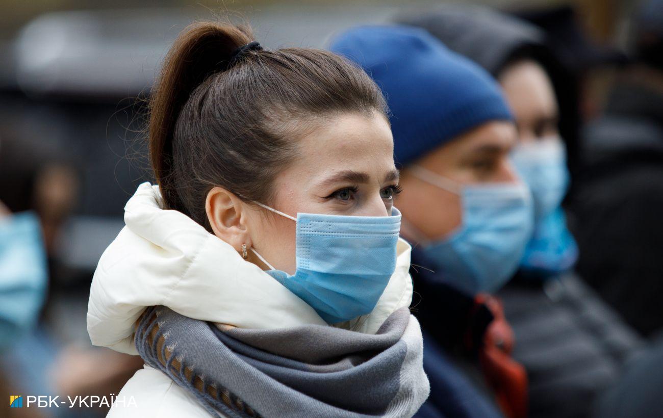 В Украине почти 5 тысяч новых случаев коронавируса