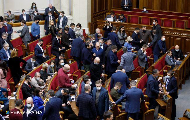 Свежий рейтинг партий: за кого в марте проголосуют украинцы