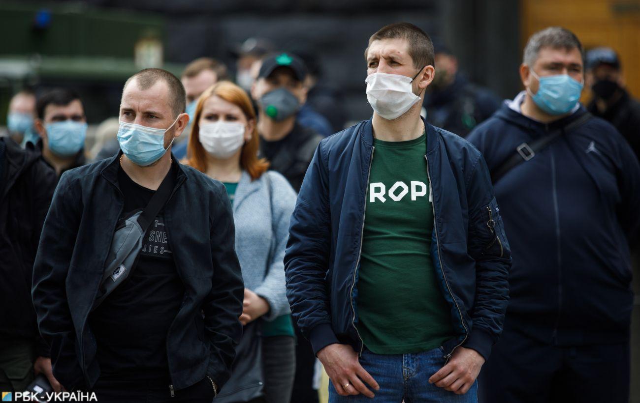 В Украине более 800 новых случаев COVID-19, почти 1000 выздоровели