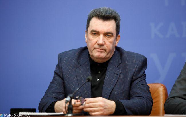 """Данилов рассказал, сколько в Украине есть воров в законе: """"они все у нас в папках"""""""