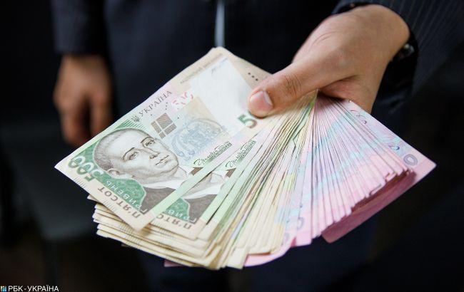 На зарплати освітян передбачили майже 100 млрд гривень у 2021 році
