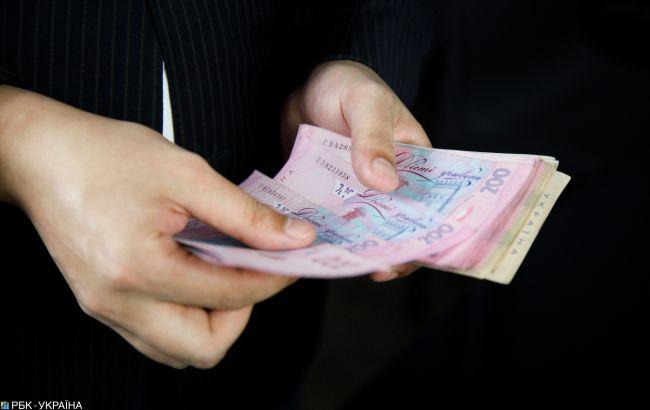 Зарплати в Україні: в яких галузях платять більше