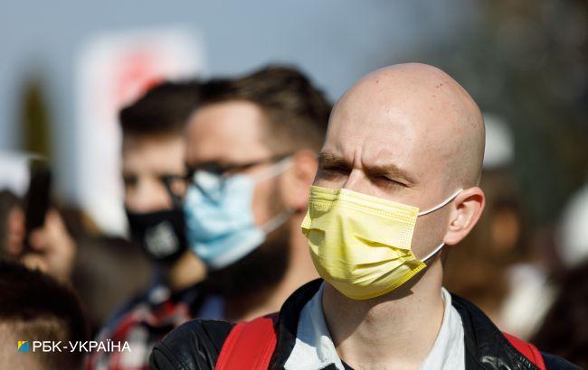 Число COVID-випадків в Україні знижується: за добу захворіли менше 16 тисяч осіб