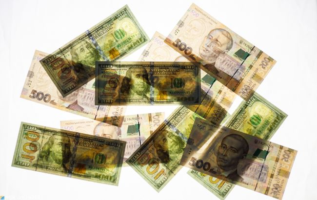Курс доллара на межбанке упал ниже 28 гривен