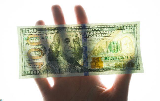Курс долара на міжбанку піднявся до психологічної відмітки
