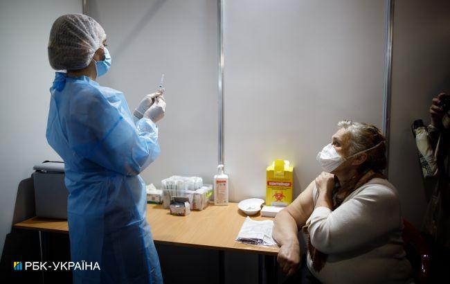 В Україні зробили понад 125 тисячCOVID-щеплень за добу