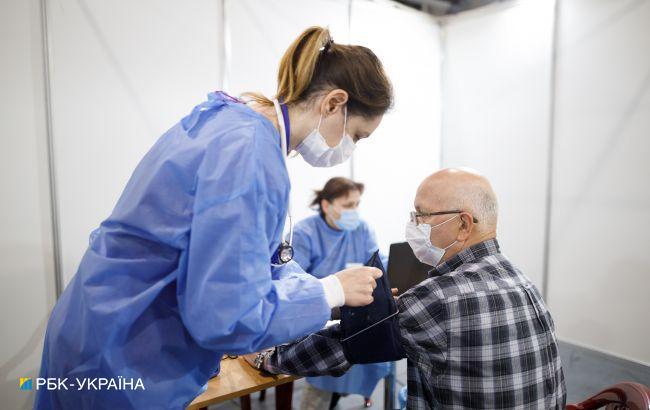 Вакцинация от COVID: в Украине сделали еще почти 160 тысяч прививок