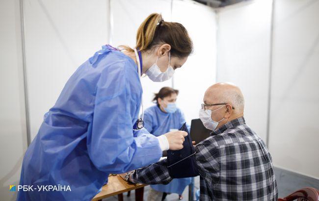 В Португалии начнут делать третью прививку от COVID людям старше 65 лет