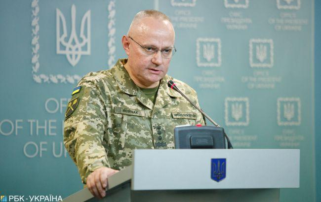 Росія стягує війська до українських кордонів, - Хомчак