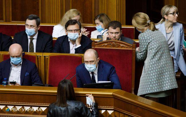 Неудачные кадры: почему во власти снова заговорили о громких отставках
