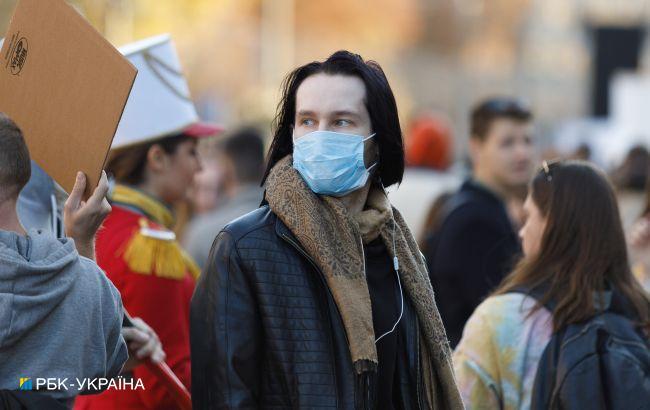 МОЗ оновив COVID-статистику: в Україні майже 12 тисяч нових випадків