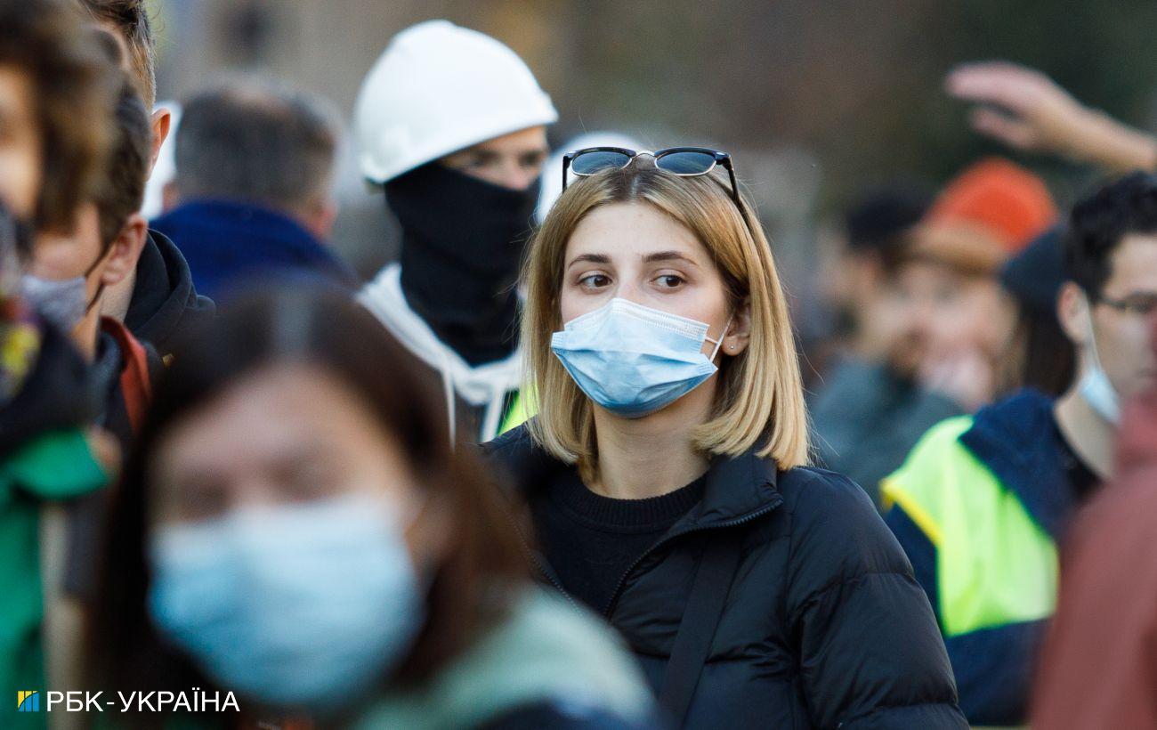 В Украине стремительно растет число COVID-случаев: за сутки заболели более 16 тысяч человек