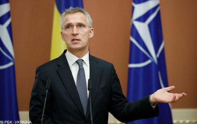 У НАТО заявили, що поки Росія поводиться агресивно санкції і тиск на неї збережуться