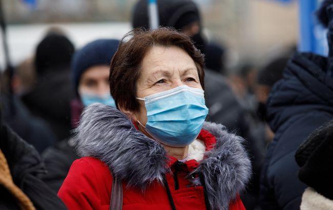 Карантин в Україні посилять з січня: що збираються обмежити