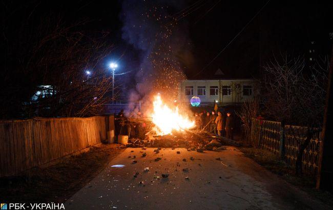 Суд оштрафував двох учасників протестів у Нових Санжарах