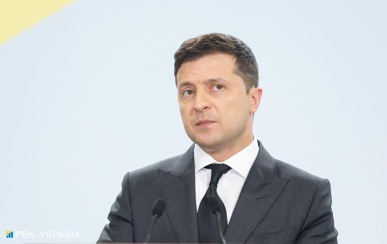 Зеленский обсудил с Макроном и Меркель подготовку нормандского саммита
