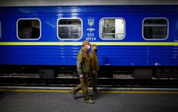 """""""УЗ"""" остановила продажу билетов на поезда в Ивано-Франковскую область из-за карантина"""