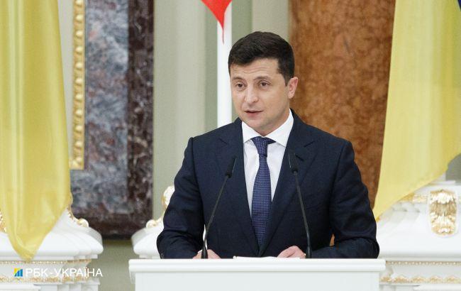 Зеленський про війну на Донбасі: санкціями життя людей не повернеш