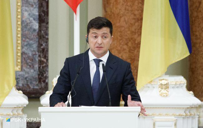 """Зеленский подписал закон об """"инвестиционных нянях"""": что он предусматривает"""