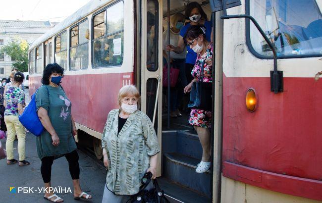 В Киеве водитель трамвая лишился чувств прямово время движения: в кабине было +47