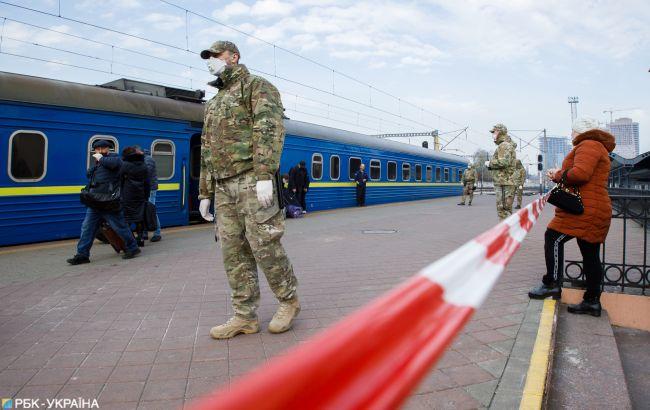 """""""Укрзализныця"""" открывает продажу билетов еще на пять поездов"""