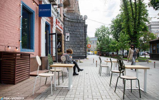 В Киеве разрешат посидеть в ресторанах и кафе: что изменится