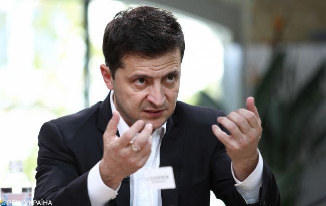 """Зеленський підписав закони про касові апарати для ФОПів і про """"кешбек"""""""