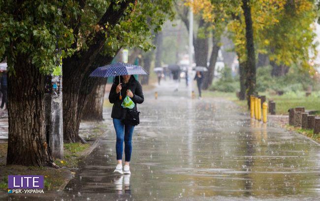 Дощі ще не закінчаться: синоптики розповіли, в яких областях буде негода