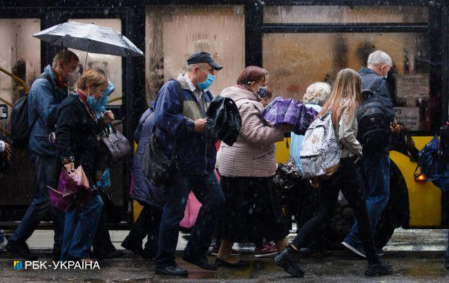 Холодину в Украине скоро дополнят ливни: синоптик назвала дату