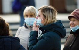 В Україні 8 710 нових випадків коронавіруса за добу. Найбільше - в Києві