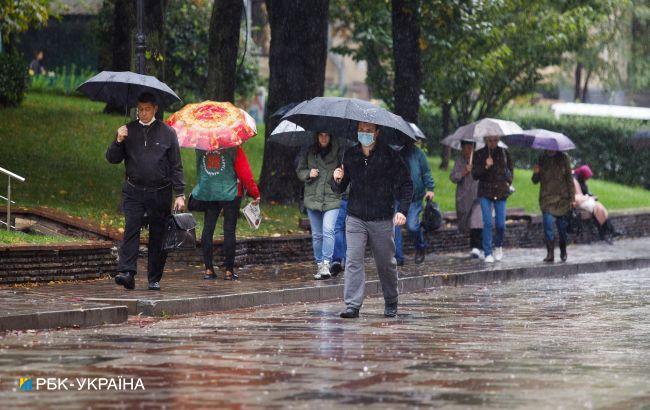 Грозові дощі повсюди: прогноз погоди на сьогодні