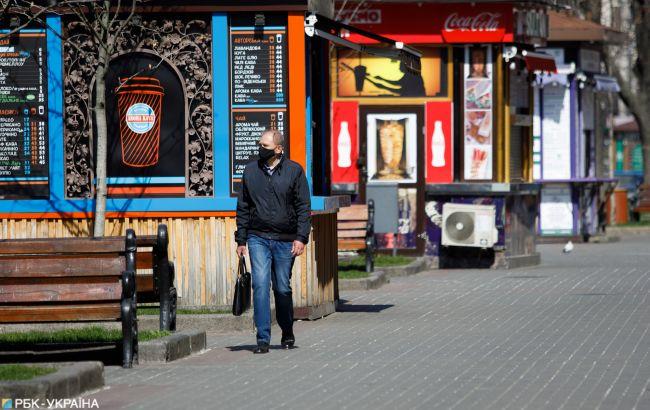 Половина украинских компаний снизили зарплаты во время карантина