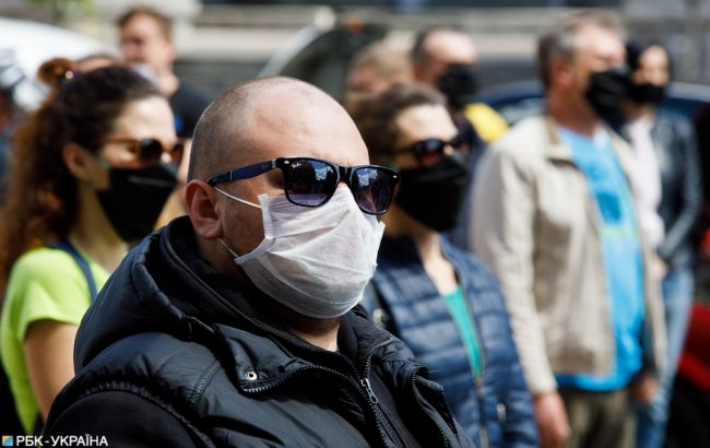 Перекрытая трасса и протест: в Украине выступают против карантина выходного дня