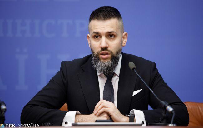 Нефьодов через суд намагається відновити на посаді голови Митниці