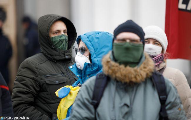 В Киеве ввели масочный режим на ряде объектов
