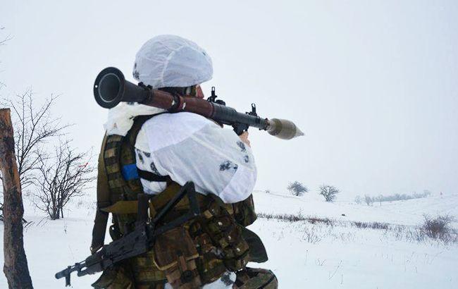 На Донбассе в сторону украинских военных выпустили 30 мин, есть раненый