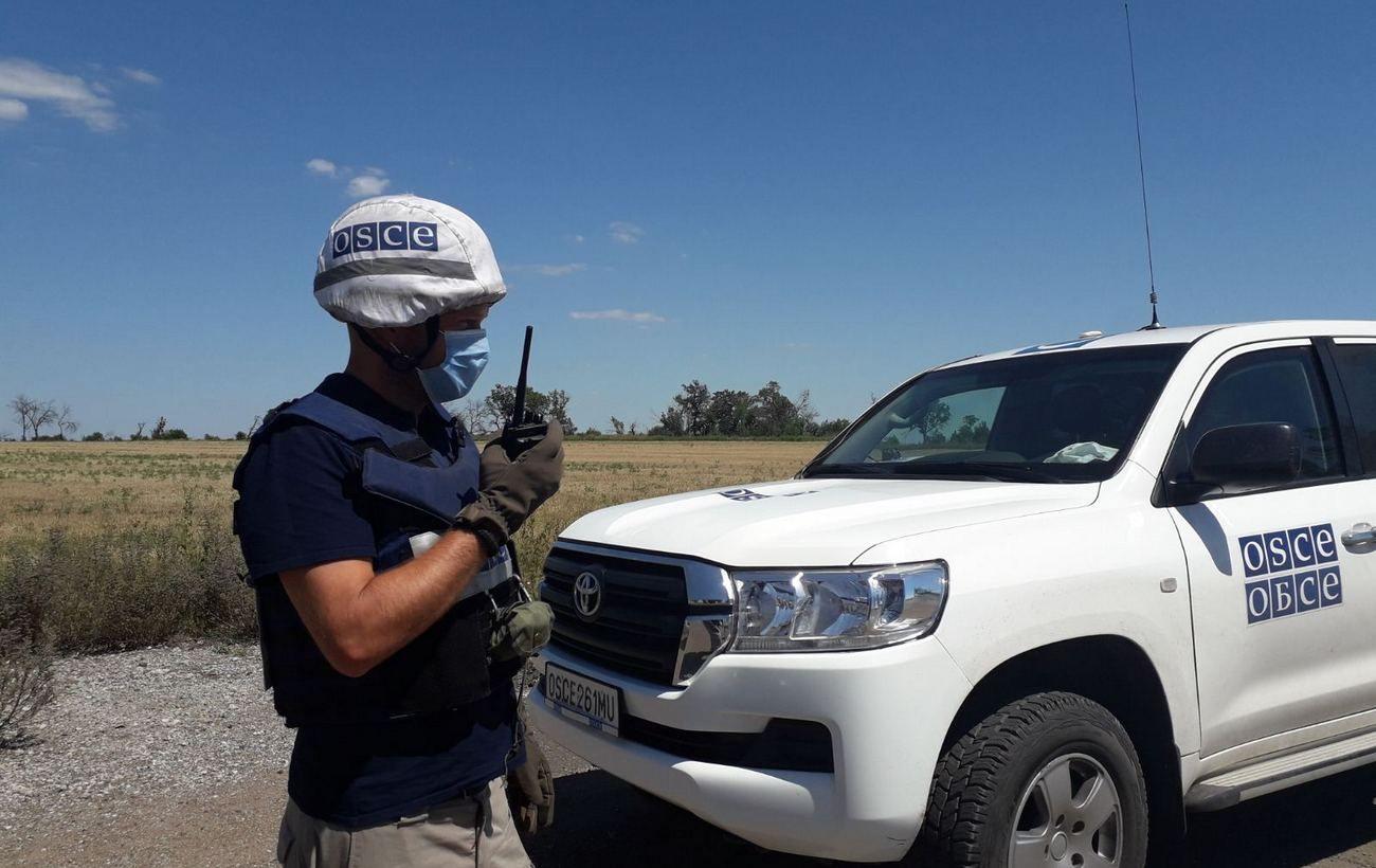 Обстрелы из минометов, пулеметов и взрывы: ОБСЕ сообщила о 162 нарушениях на Донбассе