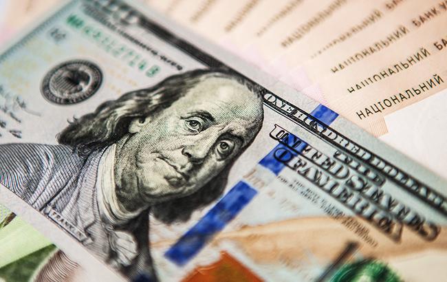 Фото: доллар и гривны (пресс-офис НБУ)