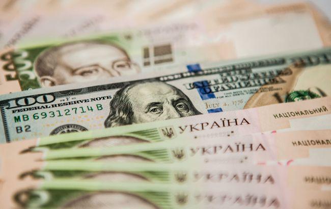 Офіційний курс долара впав до 25 гривень