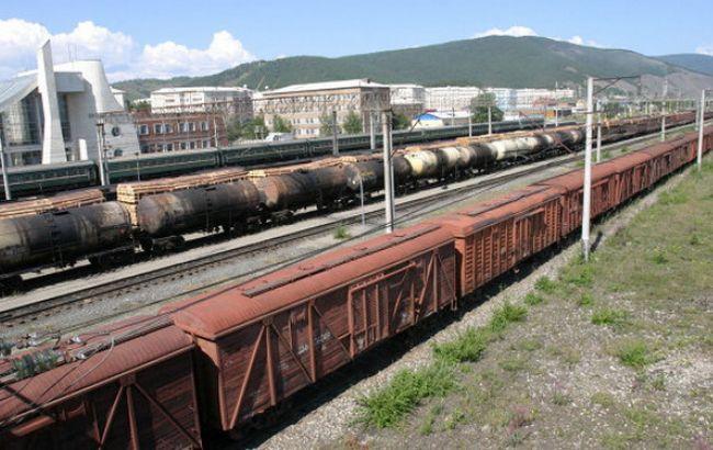 """""""Укрзалізниця"""" відновила рух вантажів у зоні АТО з 25 червня"""